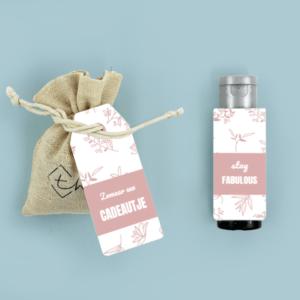 Inhoud Brievenbuspakketje Zomaar Cadeau Pink Blossom Bloemzaden Janzen Handcrème