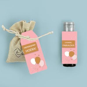 Inhoud Brievenbuspakketje Verjaardag Cadeau Pink Birthday Pakket Bloemzaden Janzen Handcrème