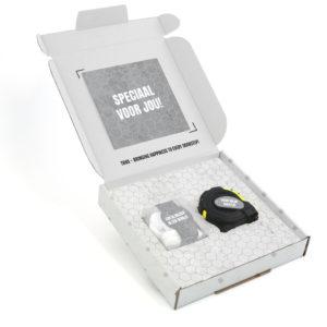 Inhoud Brievenbuspakketje Cadeaus Voor Mannen Vaderdag Concrete Pakket Rolmaat Candy Square