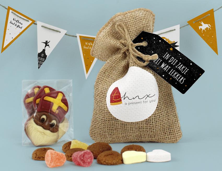 Inhoud Brievenbuspakketje Sinterklaas Sint En Piet Pakket Pepernoten Vlaggenlijn Chocolade