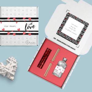 Inhoud Brievenbuspakketje Valentijn Love Pakket Geurstokjes Chocolade Hartjes