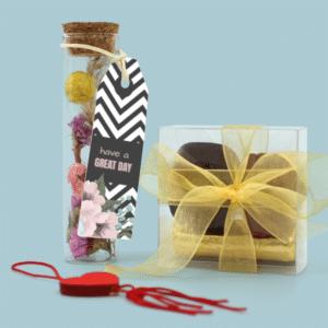 Inhoud Brievenbuspakketje Moederdag Bonbons Droogbloemen