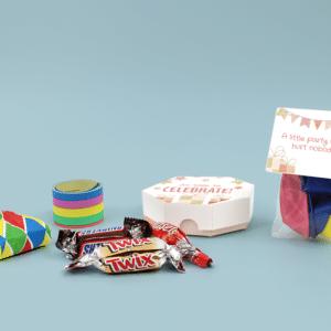 Inhoud Brievenbuspakketje Verjaardag Cadeau Feestpakket Celebrations Ballonnen Confetti
