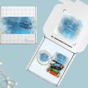 Overzicht Brievenbus Cadeau Kerst Geurkaars Vanille en Mini Merci Chocolaatjes