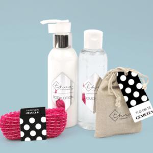 Brievenbus Cadeau Sinterklaas Gedicht Inhoud Wellnesspakket Bodylotion Showergel Scrubzout